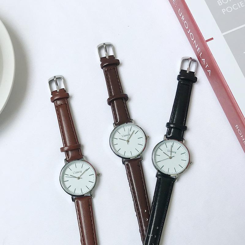 Наручные часы Кожаные часы Женщины Мода Ультра-тонкие кварцевые наручные женские платья Урожай серебряные часы 32 мм