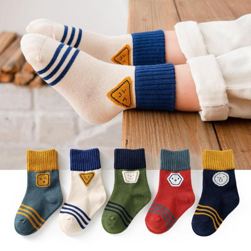 5 çift / grup çocuk pamuklu çorap sonbahar kış bahar çocuk erkek kız sıcak orta çorap karikatür şerit spor çorap