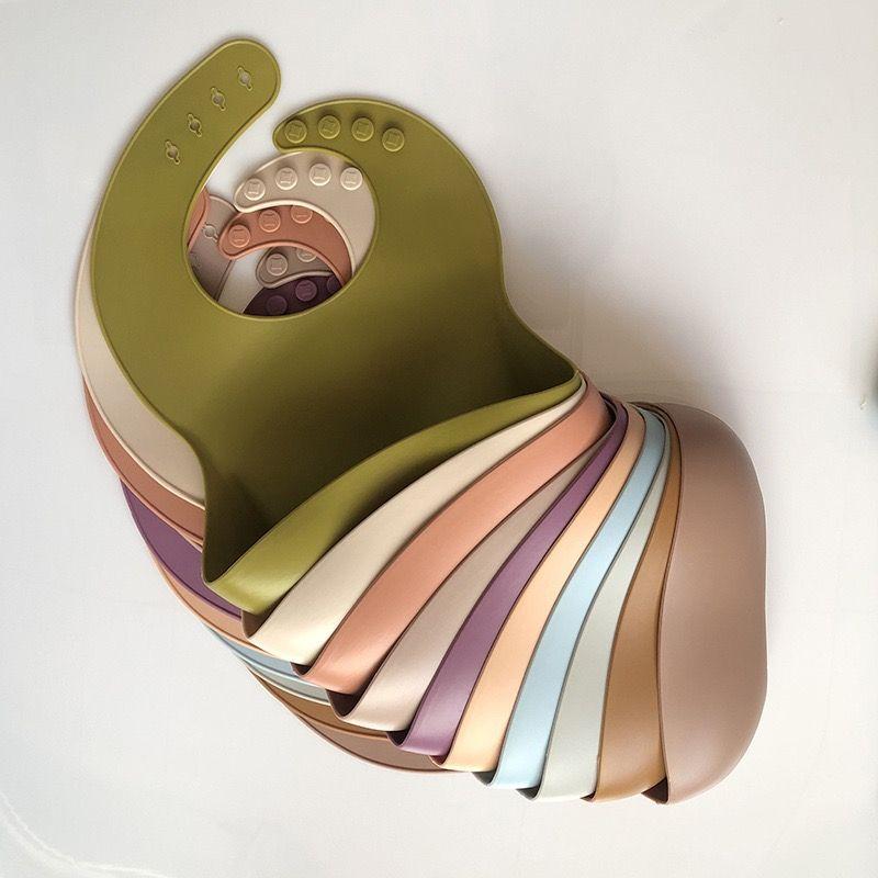 무료 DHL UPS 디자이너 아기 먹이 턱받이 INS 방수 실리콘 점심 17 색 타액 수건 버브 옷