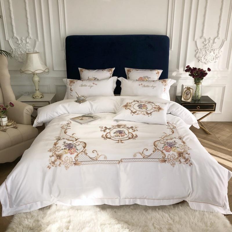 Rei Rainha tamanho Consolador cobertura plana / cabido Folha de cama set Branco Chic bordado 4pcs algodão de seda casamento conjuntos de cama de luxo Home Textile