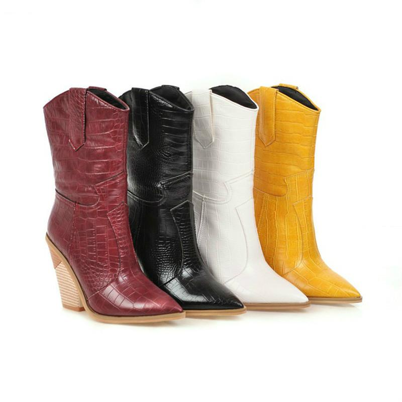 Bottes Blanc Black Jaune Faux Cuir Cowboy Chevle pour Femmes Wedge High High High Heel Chunky Snake Print Western Cowgirl