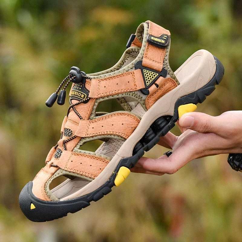 2020 Gerçek Deri Sandal Yaz Ayakkabı Erkekler Plaj Sandalet Hollow 39 Açık Casual Kaymaz Yürüyüş Sneakers Ayakkabı qDil # Erkek Ayakkabı