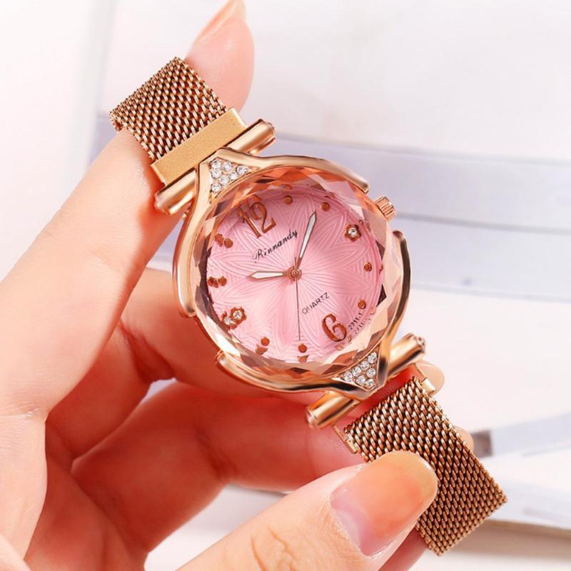 Orologio di lusso delle donne magnete Fibbia Milano cinghia delle signore di personalità netto rosso orologio da polso al quarzo Relogio Feminino Orologi