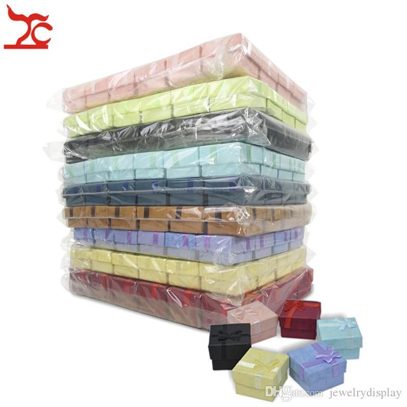 Toptan 24pcs Renkli Kağıt Takı Hediye Kılıf Şerit Yüzük Küpe Stud Karışık Depolama Organizatör Paketi Hediye Kutusu 4 * 4 * 3cm cgjxs