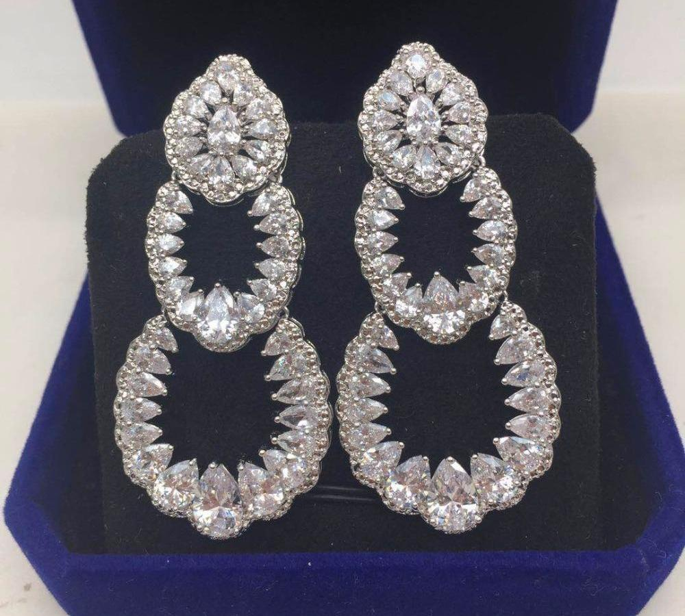 Big 3 Délicat forme ovale cercle couleur de la fleur Boucles d'oreilles de mariage de luxe pour les femmes Accessoires Parti Jewel66
