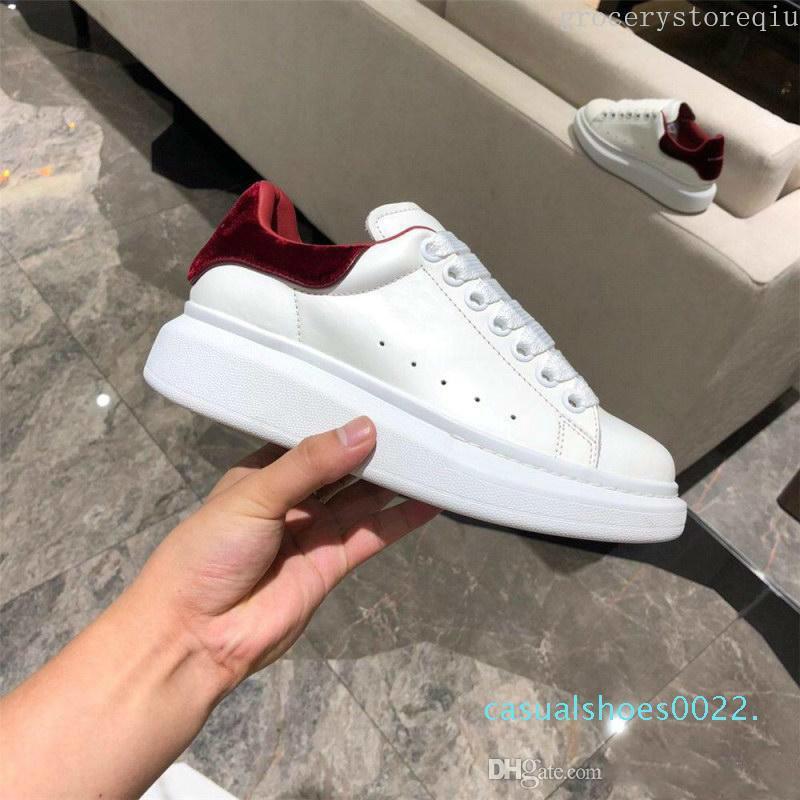 Kadınlar Erkekler Günlük Ayakkabılar Siyah Ayakkabı Lüks Tasarımcılar Ayakkabı Deri Katı Renkler Elbise Ayakkabı Sneakers Kadife Heelback Ayakkabı C22 yendi