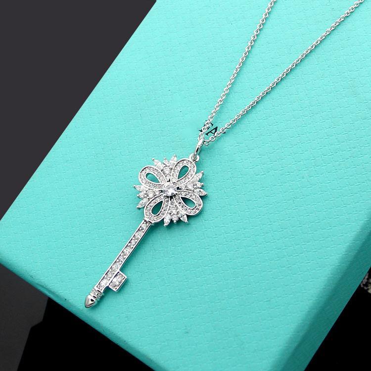 Luxus Designer Schmuck Frauen Halskette Gold Lock Anhänger Designer Halskette Schneeflockenschlüssel Voll Diamant Halskette Ohrringe Armbandanzug