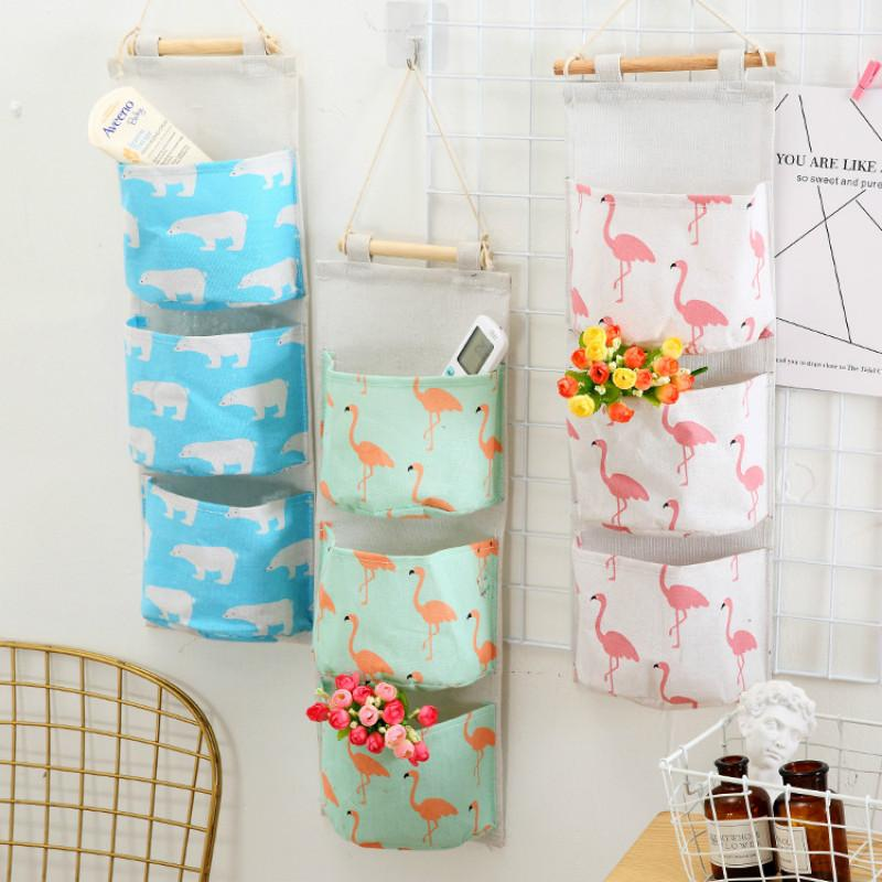 Simple and Modern Cotton Linen Hanging Storage Bag 3 Pockets Wall Mounted Wardrobe Hanging Bag Wall Pouch Sundries Organizer