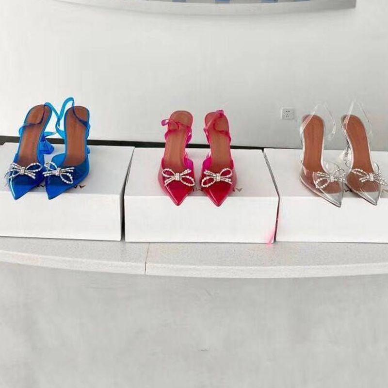 Designer Crampons Amina Muaddi Fashion Dress Stud Chaussures Jelly Sandales Slingback Sexy Ladies Chaussure de Talons Haute Partie Chaussures Talon