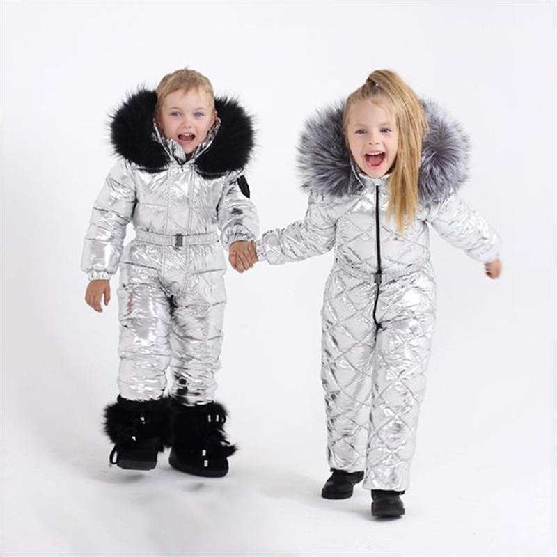 Nouvelle hiver Combinaison de ski solide pour bébé fille Vêtements Garçons Hooded Filles Jeunes enfants Filles Vêtements Manteau fille épais pour les filles coton Vêtements