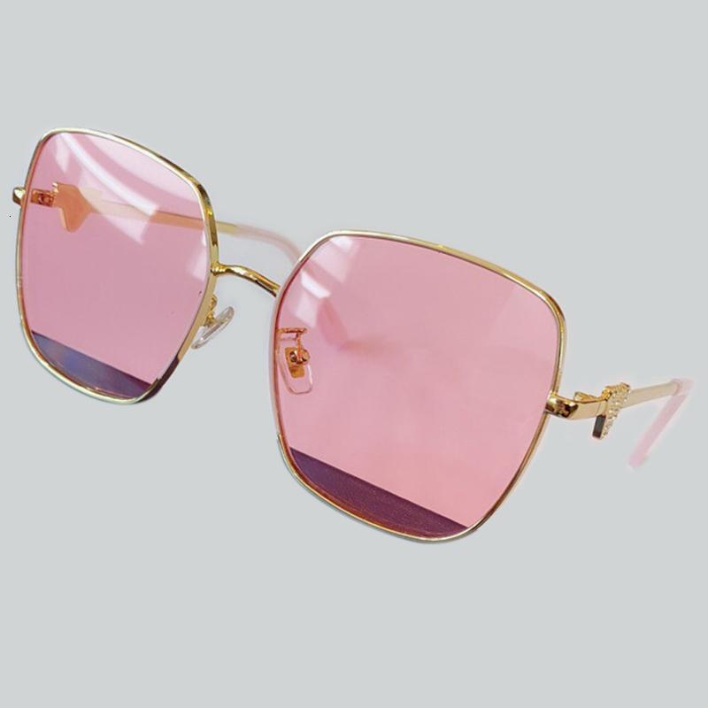 Occhiali da sole quadrati Donne Occhiali da sole femminile Eyewear occhiali Gold Frame Uv400 Ombra moda di guida Nuovo