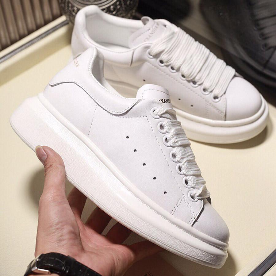 الرجال منصة أحذية رياضية المرأة الكلاسيكية حبيبة سوداء أحذية بيضاء أعلى جودة الجلود الأزياء منصة الأحذية العصرية مصمم الأحذية عارضة