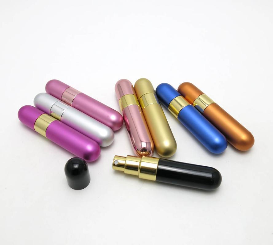 Горячая продажи 10шт 10мл Cute Красочного Perfume Bottle 10 цветов Мини Портативного Путешествие Перезаправляемого Распылитель Форсунка Scent Case Как Gift