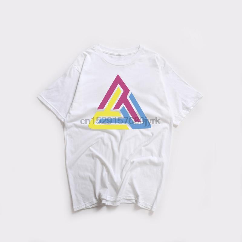 Mans novo engraçado camiseta Preto do tipo pirâmide T-shirt dos homens colorido da letra Collar Triângulo Rodada Chris Brown moda T Tops