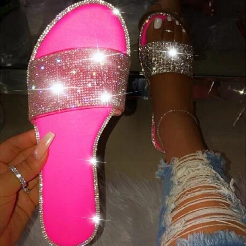 Chaussures Femme Sandales d'été pour les femmes 2020 Bling plat strass Ladies Beach Sandles Designer Luxury Sandalias Mujer Sandels Y200620