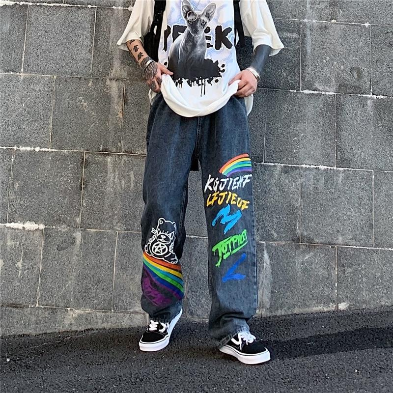la pierna de los pantalones QJSo7 de verano y los pantalones vaqueros coreanos jóvenes de moda los pantalones anchos de otoño nuevos hombres Niños Diversión arco iris impreso pierna ancha recta Fash 2020