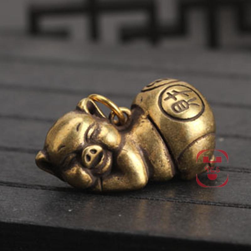 Latão Vintage bonito caráter engraçado do porco chinês fiscal luta bênção Estátua Financial Keychain Ornamento Pingente Decoração