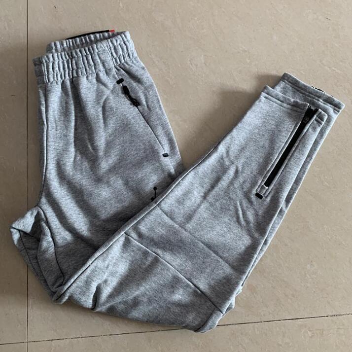 2019 MChinos magro Corredores Camuflagem Homens de Moda de Nova Harem calças compridas Sólidos Calças Cor Homens Calças