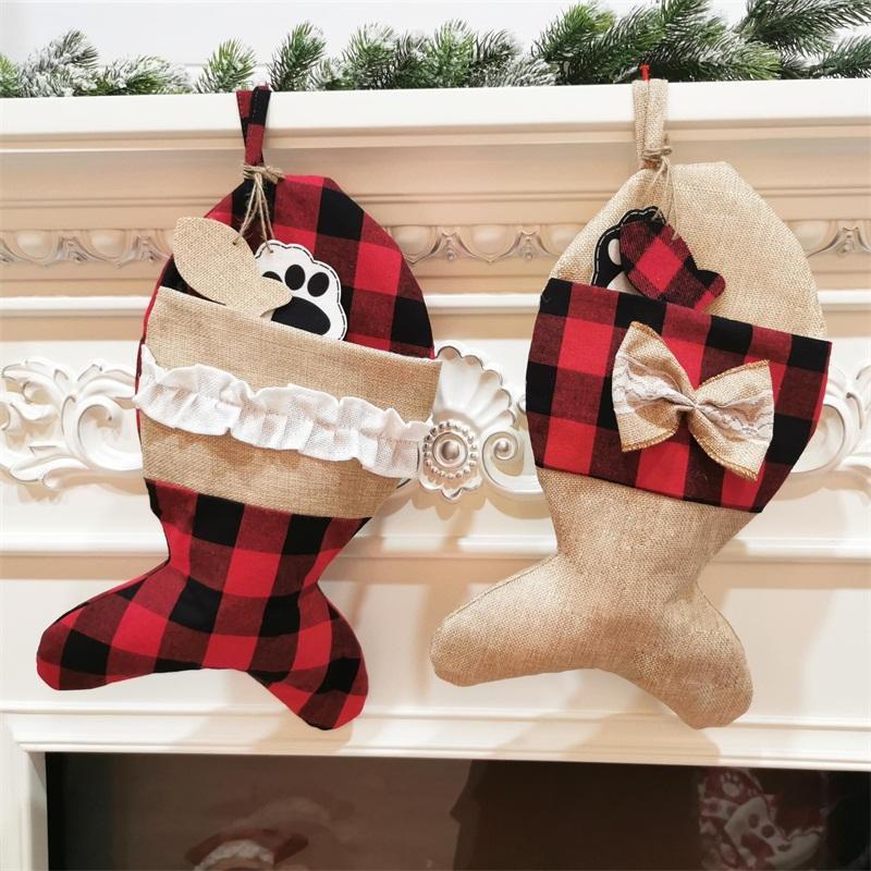 Modelo de la Navidad Media roja adornos de tela escocesa Forma Falbala Decoración bolso al aire libre del hueso de pescados colgantes Figura personalizada Bolsas 9 2 xd F2
