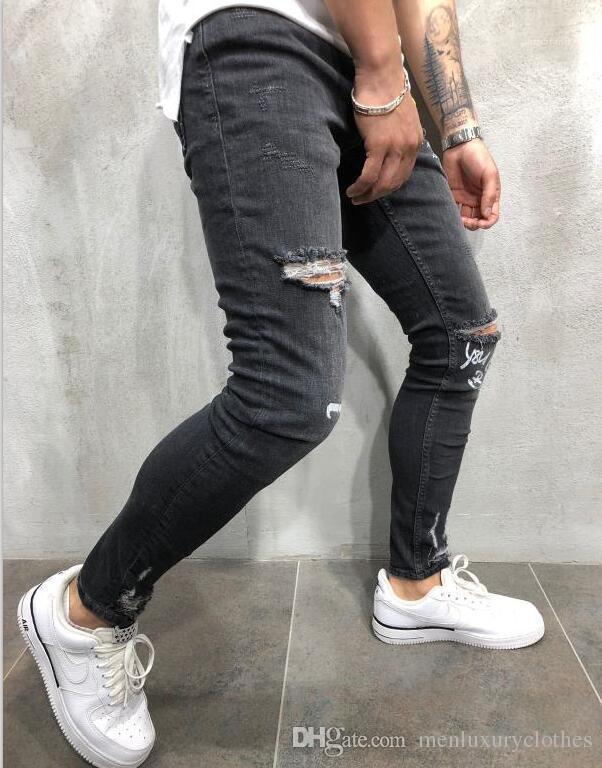Kalem Jean pantolon Biker Jeans Erkekler Mektupları Tasarımcı Pantalones Jeans Ripped dökümlü Delikler