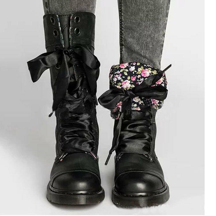 Botas estilo occidental retro personalizada Cordón cepillo color romana para las mujeres Hlaf Caballero Botas impreso floral zapatos al por mayor de la fábrica