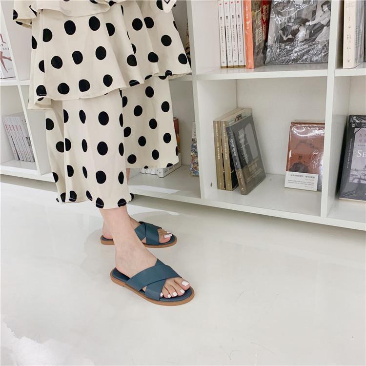Pretty2020 deslizador de la mujer verano ropa de fondo plano sandalias Joker Crossing Llevar al aire fresco Hada