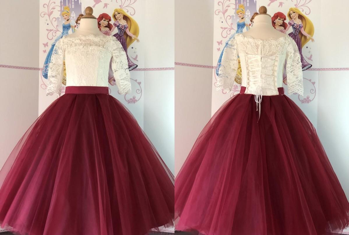 New Elfenbein-Spitze-Burgunder-Blumen-Mädchen-Kleider für Hochzeitsfest Schaufel-Hals-Spitze mit Rüschen besetzten A-Linie Prinzessin netter Günstige Erstkommunion Kleid
