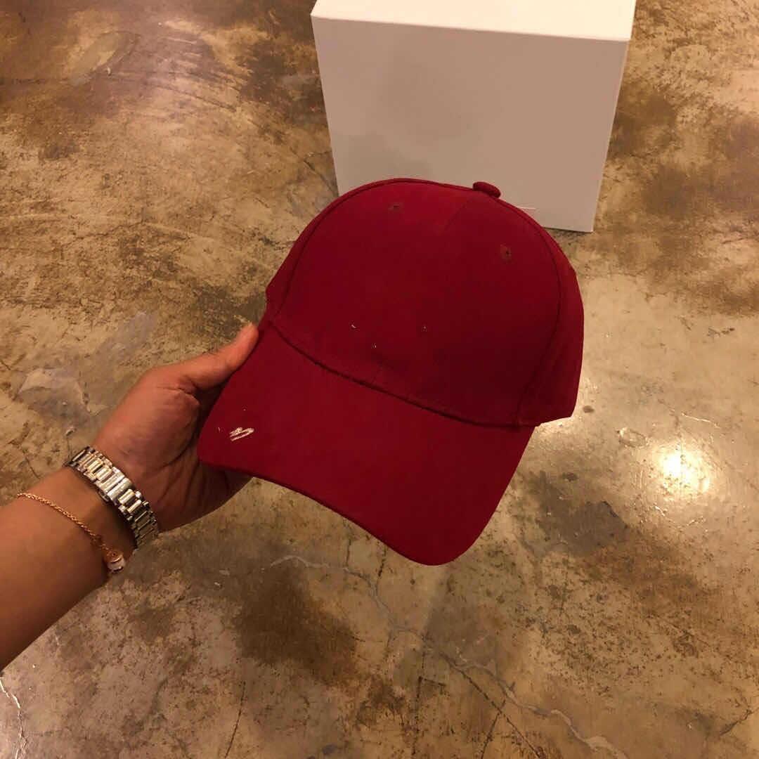 M6wOd 031105 New Golden simple casquette de base-ball lettre casquette de baseball les femmes et les hommes de broderie chapeau de bord avec la mode chapeau de soleil lettre