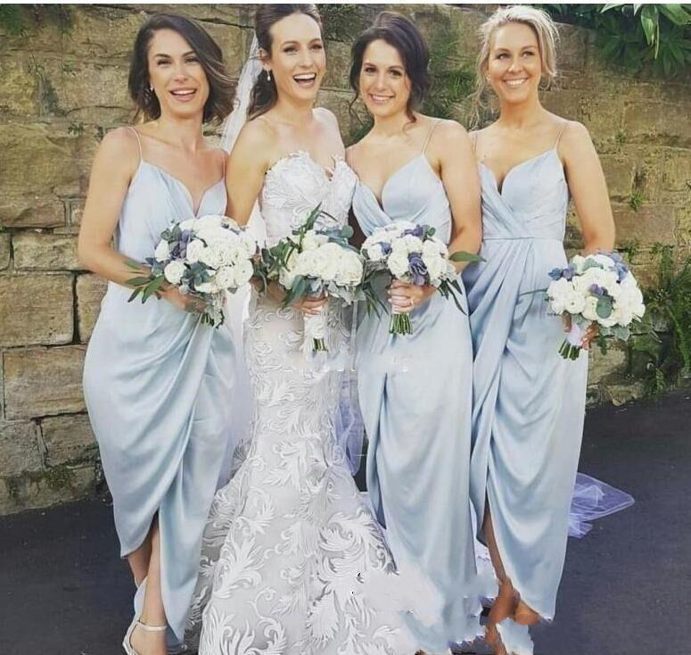 2021 Robes de demoiselle d'honneur courtes Sexy Spaghetti Sangles Boho Jardin Mariage Gîte de bal de promo