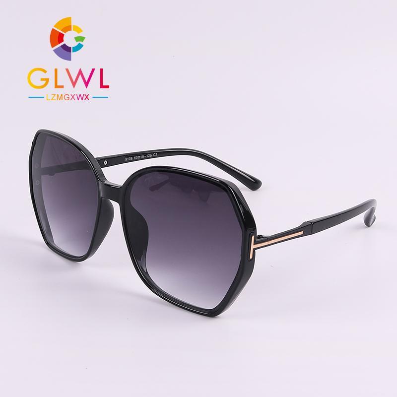 Frauen-Sonnenbrille Marke Maxi-Sonnenbrillen Frau Modische Frauen Schwarz Sunglass Damen Antrieb Shade Trending Produkte 2020