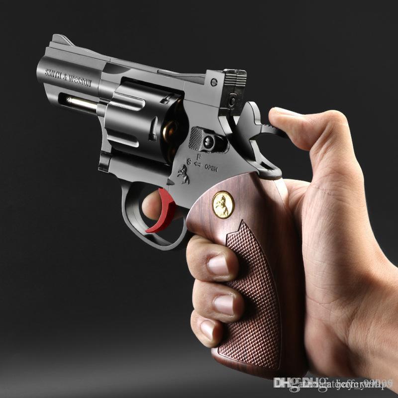 Freies Verschiffen Kleiner Mond Revolver Wasser Kugel Pistole Junge Manuelle Simulation Schnappen Abnehmbarer Metall-Modell Kind-Spielzeug-Pistole