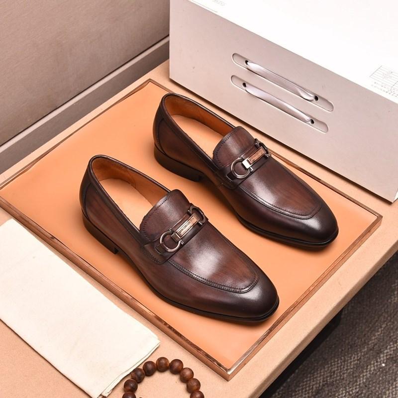 2020 Yeni El Yapımı Deri Erkek Deri Ayakkabı Rahat Deri Klasik Stil Erkek Günlük Ayakkabılar Suit Ayakkabı
