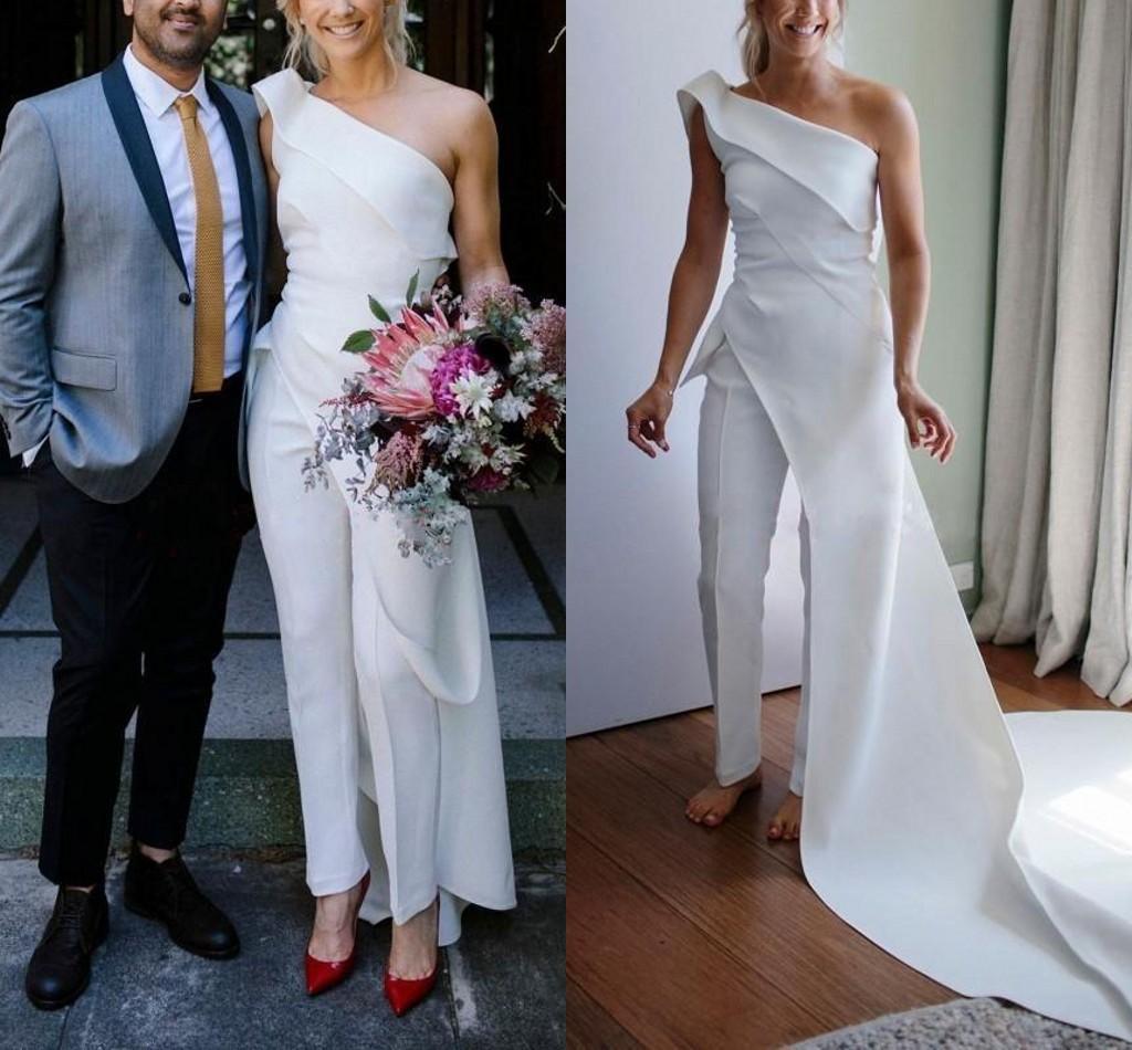 Sencilla de un hombro vestidos de boda de Bohemia del mono con el tren largo 2021 al aire libre del jardín del país vestidos de novia vestidos con trajes de Pant