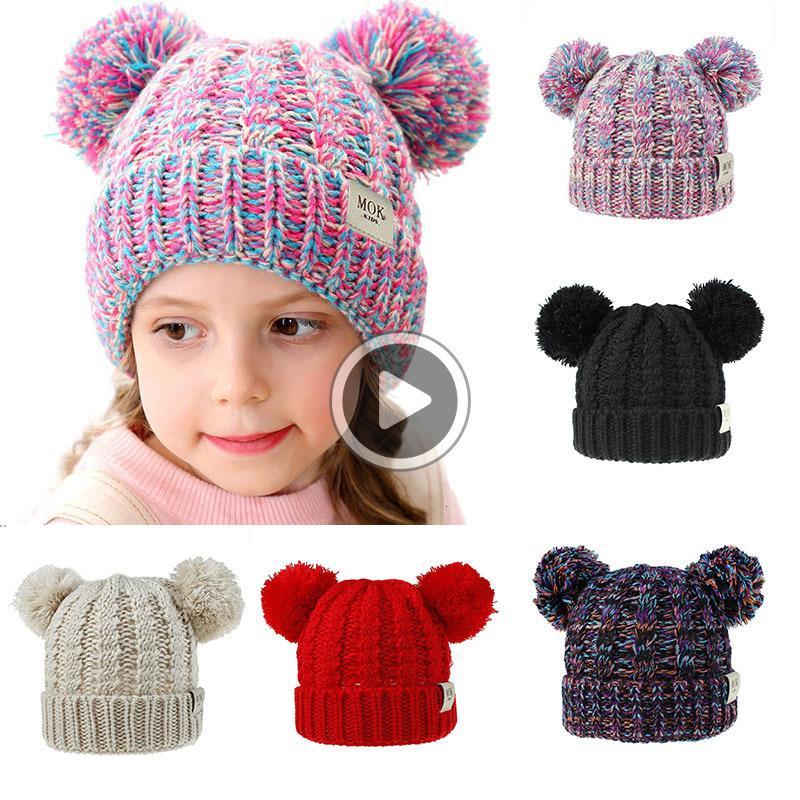 12 Stiller Kız bebekler Örme Cap Kid Crochet Pom kasketleri Şapka Çift Kürk Topu Şapkalar Çocuk Örme Dış Çocuk Acssories M315 Caps