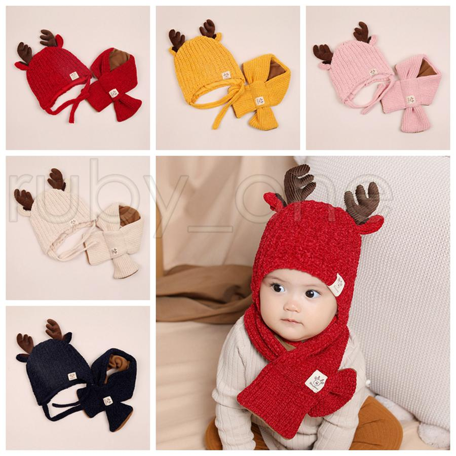 Xmas младенца Вязаная шапочка Детский Deer Horn Hat Добавить шерстяной шарф 2pcs Дети Открытый конфеты цвет зимы теплый шарф Hat Christmas Party Hats RRA3571