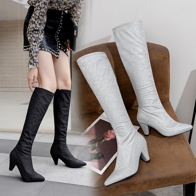 YQBTDL 2020 женщин Spike Высокие каблуки Bling Серебро Черный Длинные колено высокие сапоги остроконечные Toe обувь партии Рыцаря езда каблука Загрузочные