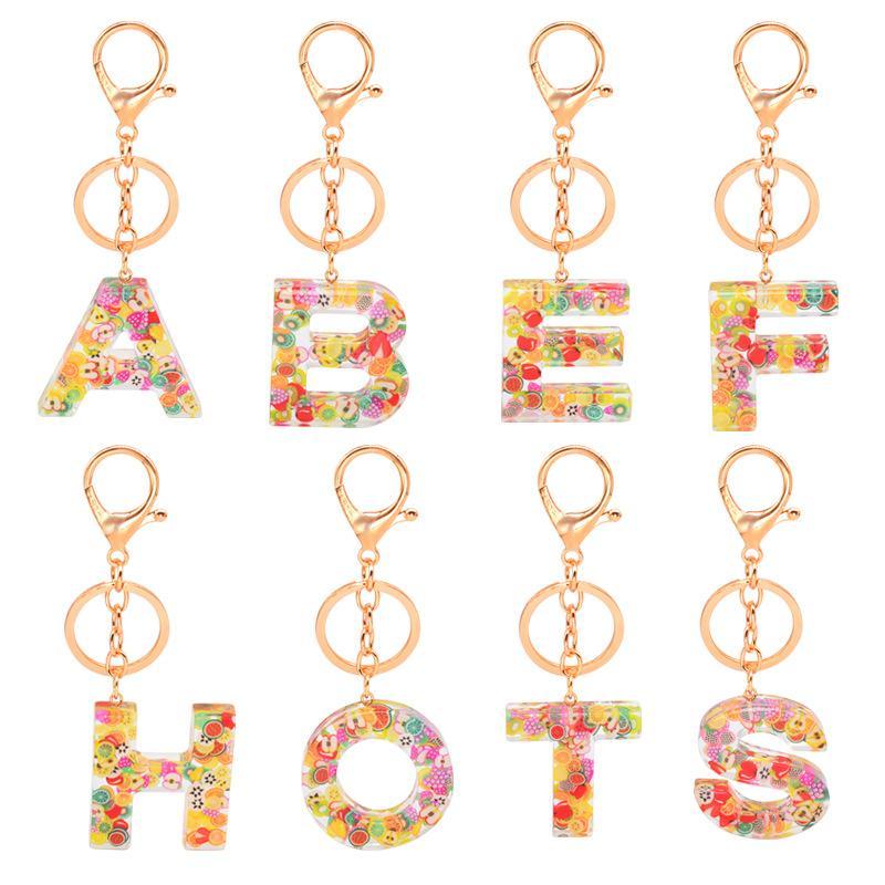 Мода Письмо автомобиля брелки для женщин мужчин 26 Initial алфавитов Подвеска Cute Keyrings кольцо держатель Фрукты смолы Акриловые брелки аксессуары