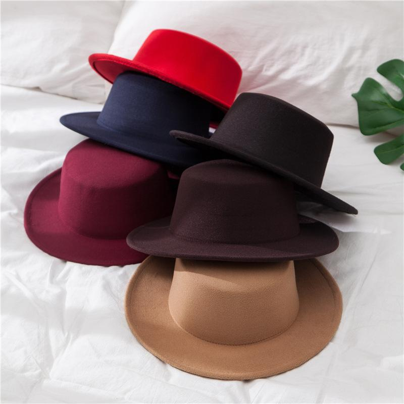 New Classic cor sólida Felt Fedoras Hat para as Mulheres Homens lã artificial Mistura Jazz Cap Aba larga Simples Igreja Derby Flat Top Hat