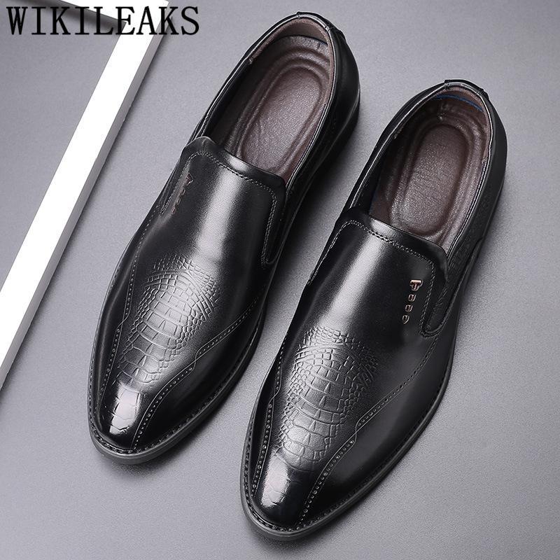 Mocassins Homens designer vestido sapatos de couro Sapatos Homens elegante Deslizamento Preto Gents Oxford Sepatu Em Pria Sapato social Masculino