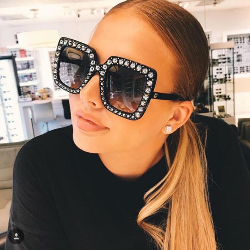 Sombras SQAURE Frame ITALIA Designer para mujeres Glases de gafas de color rosa grande de cristal Gafas de sol de Diamante Ladies Uhjns