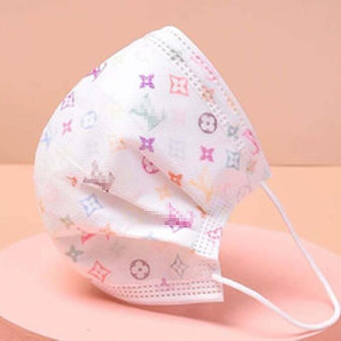 LOGO Marke Gesichtsmaske Einweg Adult Non-Woven-Gewebe-Tuch-Masken verdickte Drei-Schicht atmungsaktiv Staubdichtes Brief gedruckte Frauen-Maske