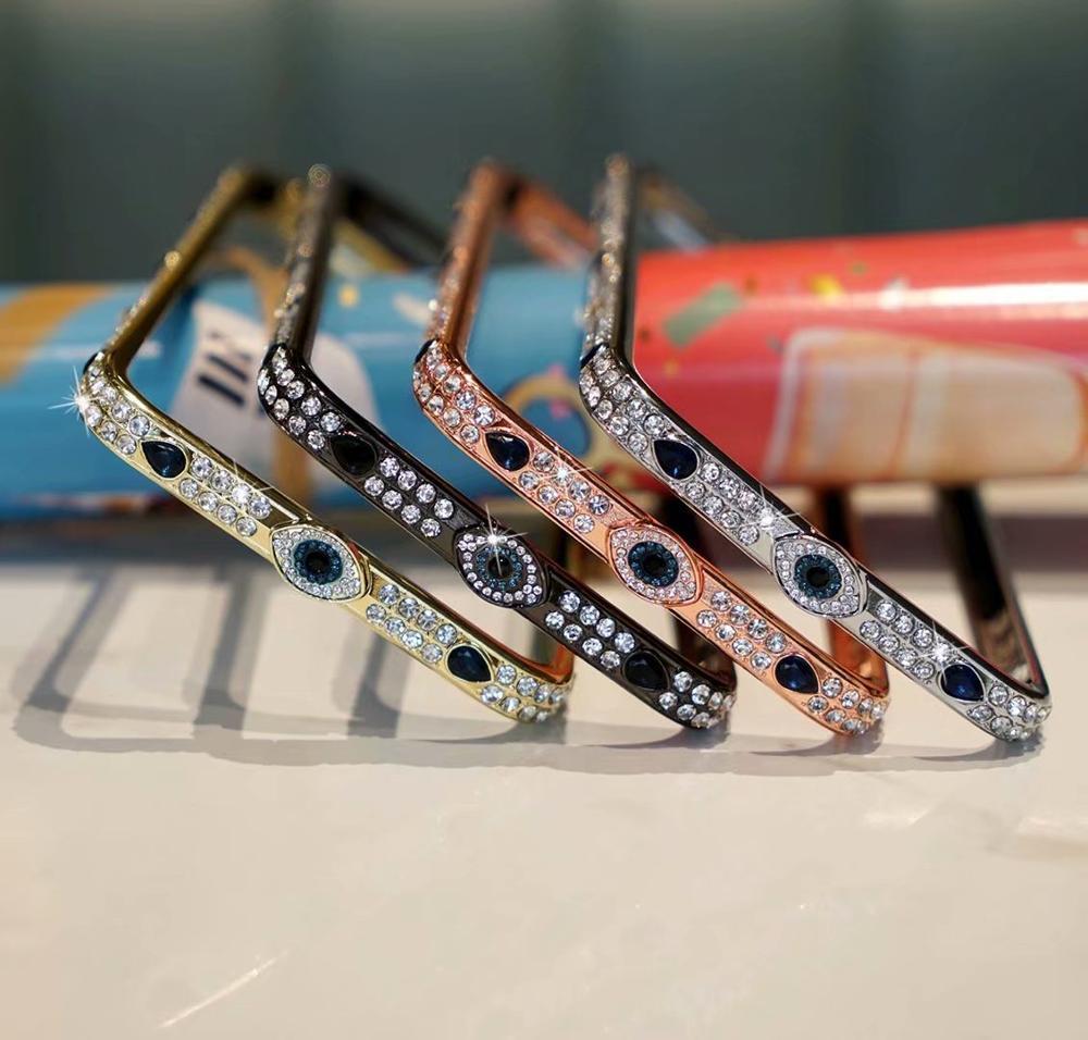 Marco de lujo Metal Jeweled Diamond Mark Teléfono de parachoques para iPhone 12 11 Pro Max 7 8 Plus x XR XS Max SE 2020 Bolsa de cubierta de la frontera
