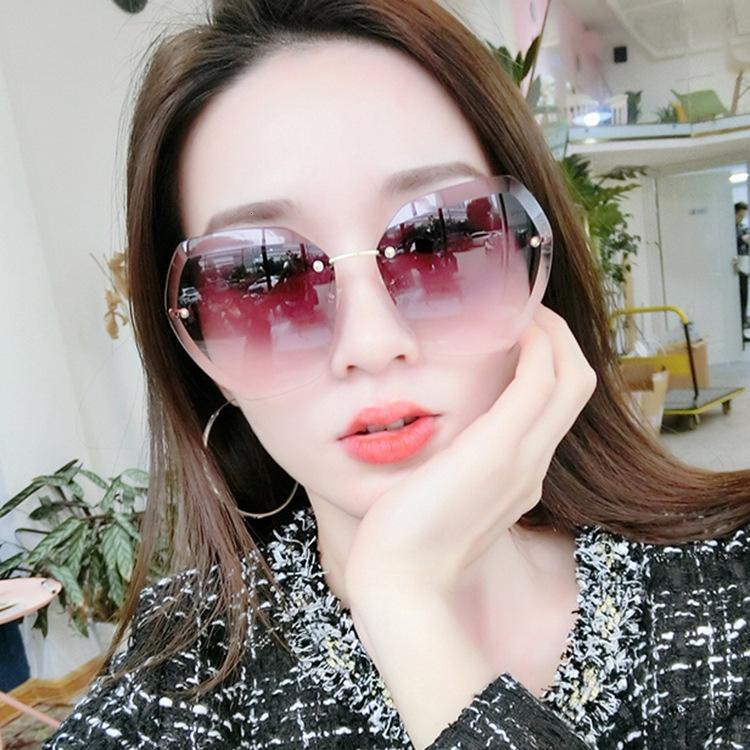 Oversized Luxury Vintage Sunglasses Rimless Female Transparent Clear Ladies Glasses Retro For Fashion Shades Lonsy Women Sun Sawbx