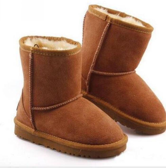 Hot Kids Classic Australia Stivali da neve Designer Girls Boys Winter Furry Boots Unisex Short Mid Stivale in vitello Bambino Scarpe calde Dimensioni 22-34