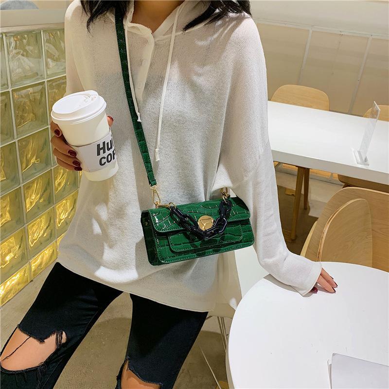 Sac de femmes Nouveau 2020 Mode Motif de pierre Messenger Bag Retro Place Sling Hong Kong style une épaule d'été Petit