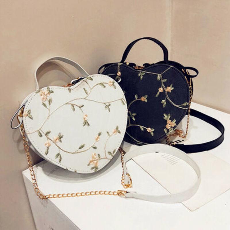 a forma di cuore nuovo 2021 Lady Fiore Donne Crossbody mini moda di cuoio del Tote di spalla delle donne Bauletto borsa Messenger Bags