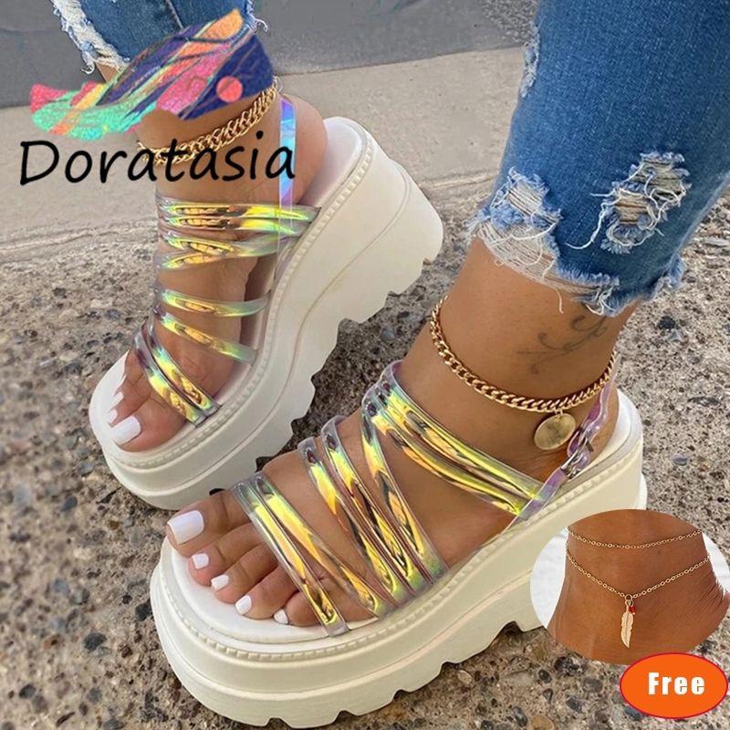 DORATASIA Big Size 35-43 INS modo delle donne sandali della piattaforma Open Toe Shoes Buckle Strappy Marca Sandali donna estate Donna Y200620