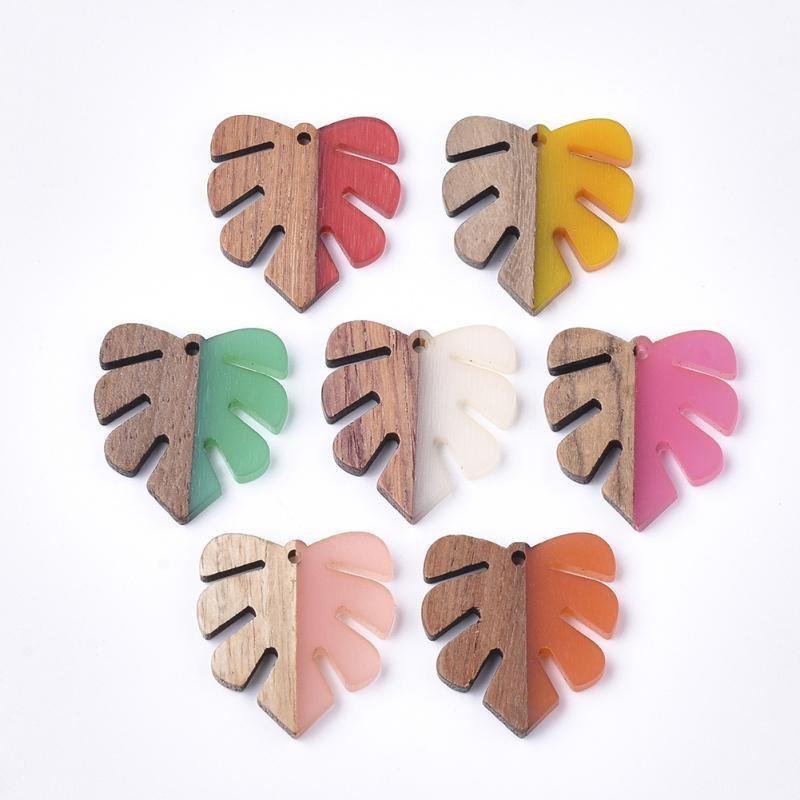 50pcs Handcrafted Vintage Natural Wood with Resin Pendant Design Monstera Leaf Shape Necklace Earring Eardrop Jewelry Findings
