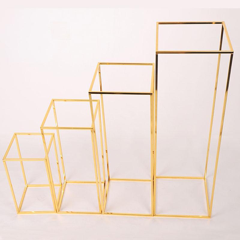 الذهبي Wrougth الحديد الهندسية اكليل الوقوف مناسبات الزفاف طريق الدعائم الرائدة المعادن العرض زهرة الوقوف المرحلة وضع الدعائم الديكور