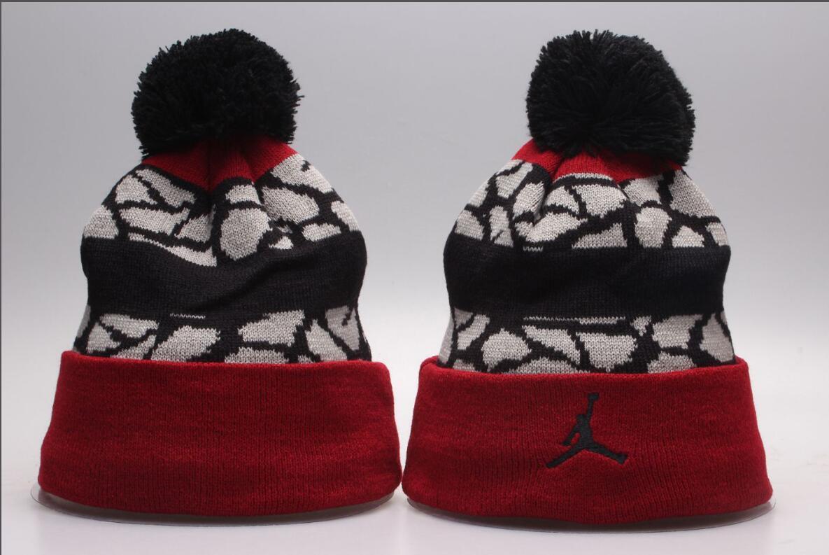 2020 nouveaux Caps Sports d'hiver gros Bonnet Tricoté Caps gorros occasionnels Skull Bonnets Chapeaux Hommes Femmes